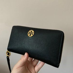 Tory Burch Leather Passport Continental Wallet